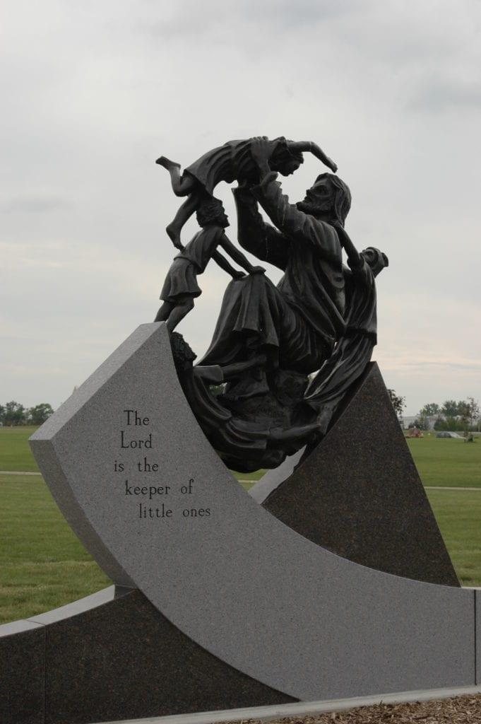 Gast Monuments | Custom Shine Memorials For Graves